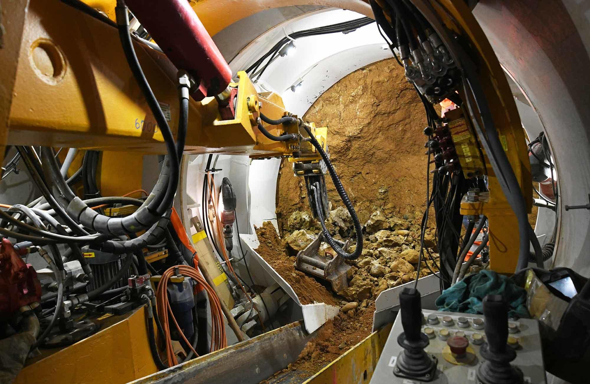Swissgrid Übergangsbauwerk Süd SBB-Untertunnelung Gäbihübel